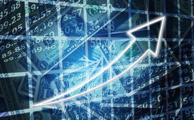 Еврокомиссия повысила экономический прогноз для Польши