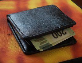 Правительство Польши утвердило размер минималки — 522 евро